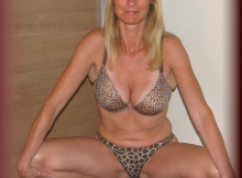 Sylvie, femme cougar en lingerie