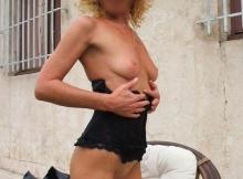 Petits seins - Femme mature Grenoble