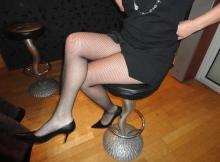 Belles jambes collants résille - Femme infidèle