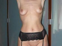 Cougar Nice : seins nus