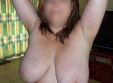 Femme ronde de Lille : montre ses seins énormes