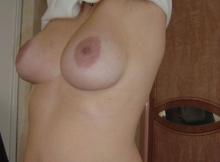 Femme mature aux gros seins bien ronds