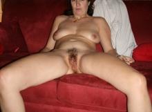 Chatte pleine de poils - Femme mature Nantes