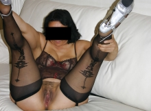 Exhibe sa belle chatte - Salope Montreuil