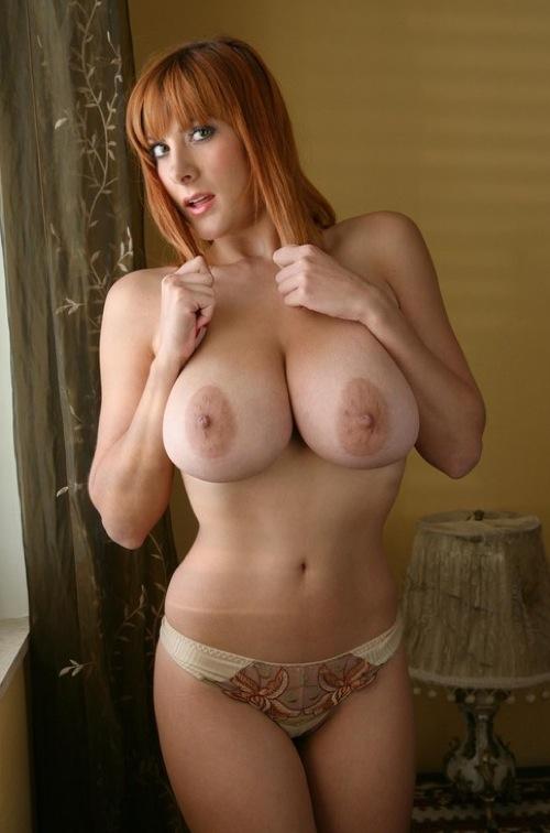 femmes aux beaux seins
