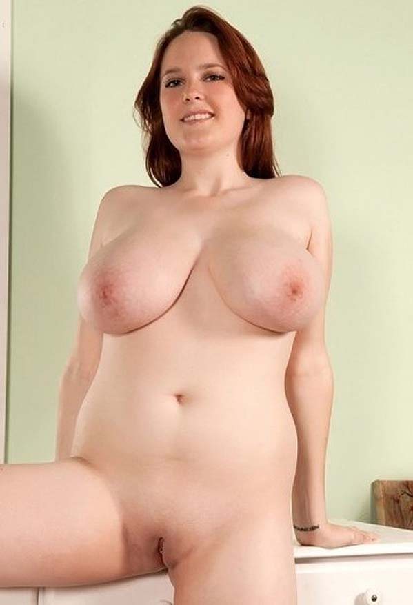 Femme Gros Sein Naturel photos de femmes avec de gros seins naturels