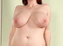 Beaux gros seins naturels