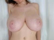 Amatrice - Gros seins naturels