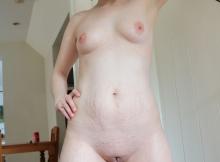 Femme collants nue (belle fente de chatte)