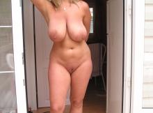 Grosse poitrine - Femme mûre