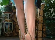 Soulève sa robe légère - Cougar de Nice