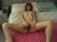 Femme Cougar se masturbe