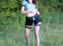 Menotte et mini-jupe - Policière sexy