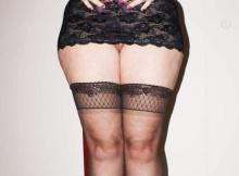 Sexy en bas nylon - Femme Cougar Créteil