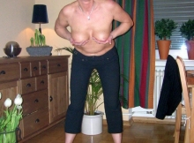 Montre ses seins - cougarillo.com