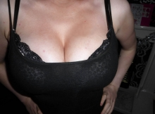 Gros seins haut moulant