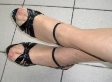 Chaussures à talon et paire de collants - Plan sexe Tours