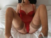 Blonde sexy en bas nylon - Rencontre Cougar Aubervilliers