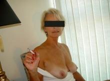 Exhibe sa poitrine naturelle - Cougar Villeurbanne (69)