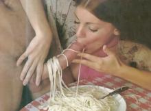 Oh la grosse spaghetti - Humour sexy
