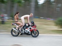 A poil et à moto - Humour sexy