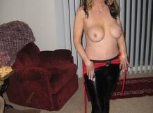 Grosse poitrine - Femme Cougar