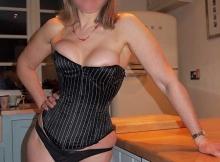 Bustier sexy - Femme divorcée à Evry