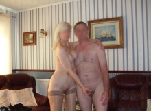 Mon mari et moi dans le salon - Couple libertin