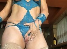 Lingerie sexy bleue et bas nylon