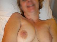 Belle paire de seins naturels