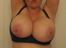 Photos de mes gros seins à la maison