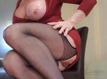 Cougar Bordelaise sexy