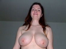 Poitrine d'une amatrice - Je montre mes seins !