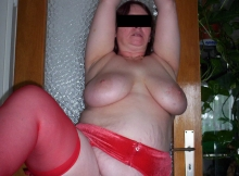 Lingerie coquine rouge et sexe hard