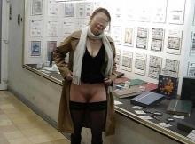 Femme exhib de Lyon dans la rue