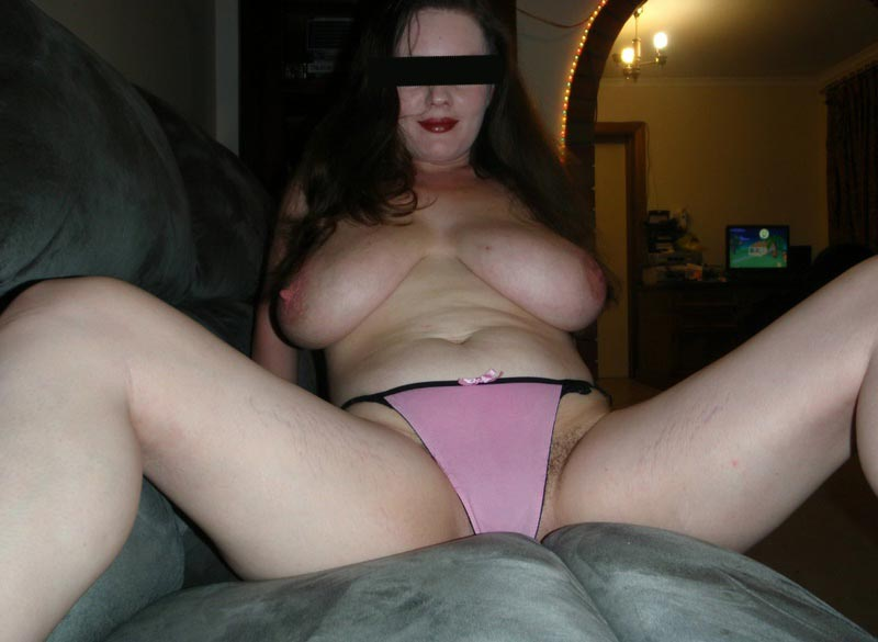 Lucie aux gros seins baise - reference-sexecom