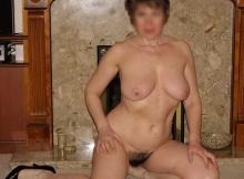 Toute  nue, ma chatte poilue - Cougar Rennes