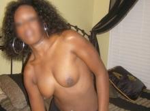 Je me déshabille doucement - Femme black Strasbourg