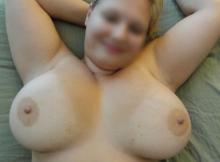 Mes gros seins laiteux - Femme grosse Rennes