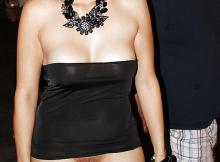 Sans culotte - Femme en mini-jupe