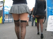 Bas très sexy - Femme en mini-jupe
