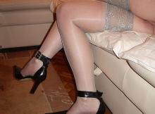Jambes croisées en bas nylon - Femme 50 ans Paris