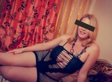 Ensemble sexy sur le lit - Blonde Lille