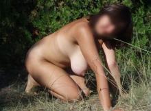 Toute nue - Femme exhibitionniste