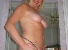 String dans la salle de bain - Femme retraitée Toulouse