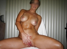 Caresse la chatte - Femme hot de Marseille