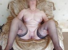 Toute nue en bas et chaussures à talon - Femme ronde Marseille