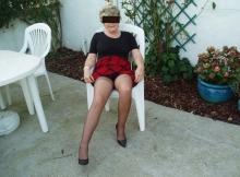 Jupe courte et collants - Femme libre et retraitée