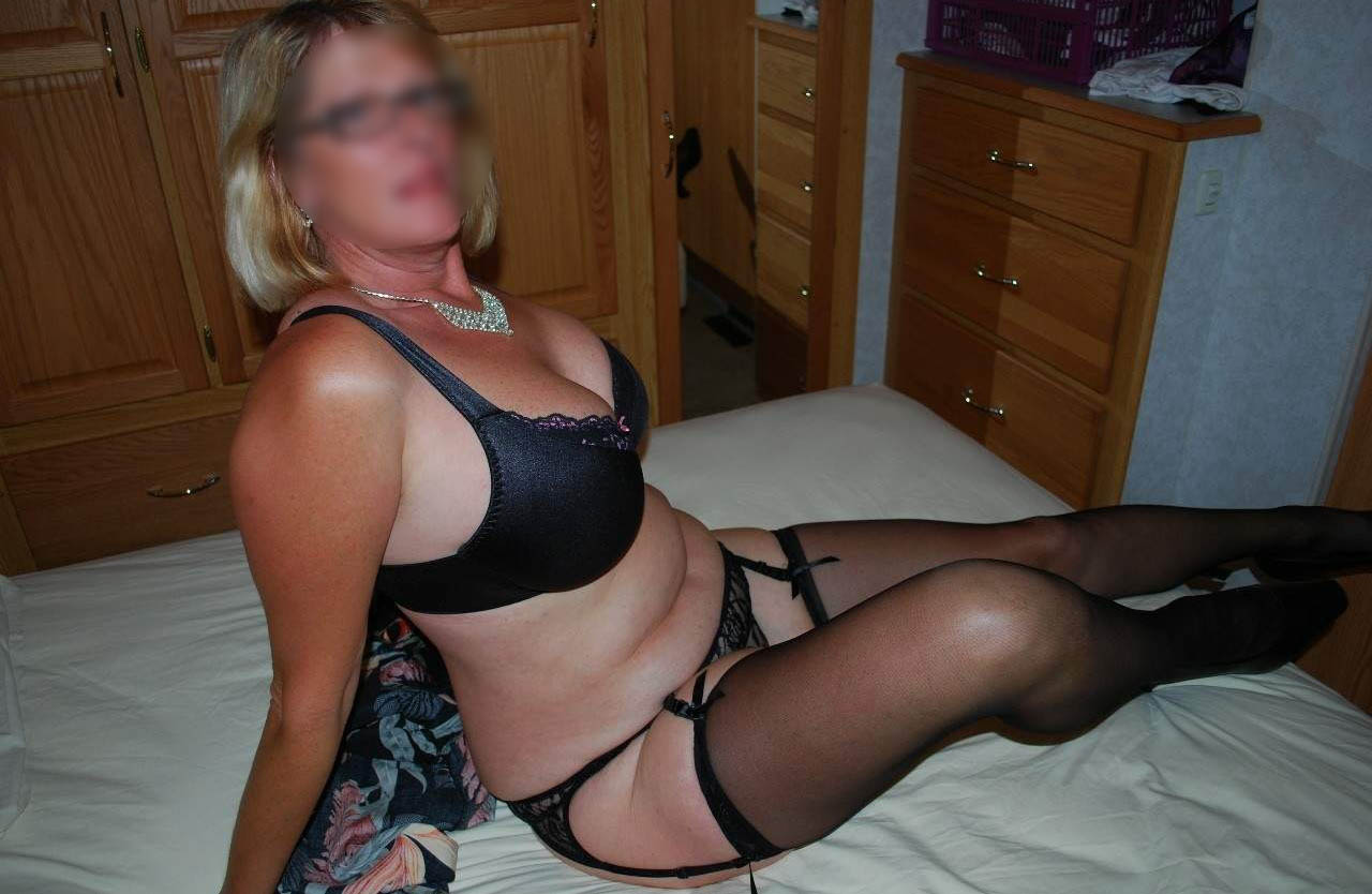retro mature escort girl montmorency