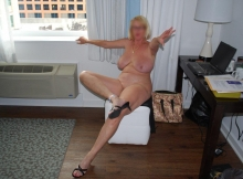 Toute nue en vacances- Femme mature